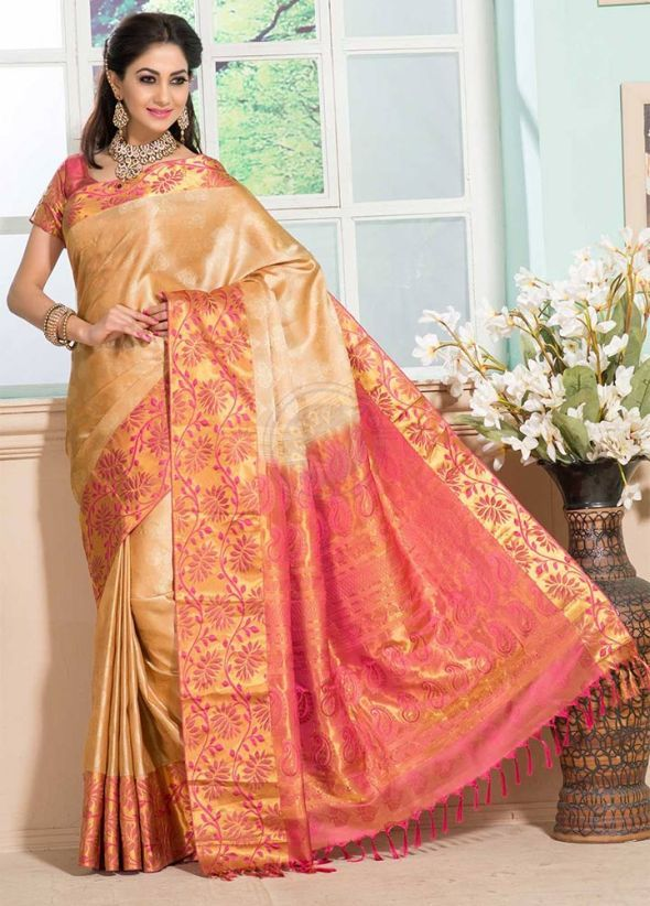 a4e4231ef6124 Pink and Gold Wedding Saree