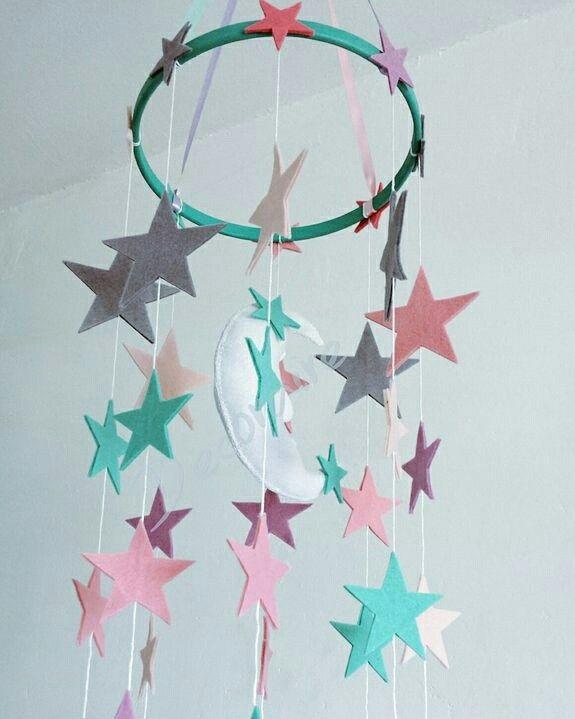 Complemento decorativo realizado en fieltro, ideal para decorar cualquier estancia!