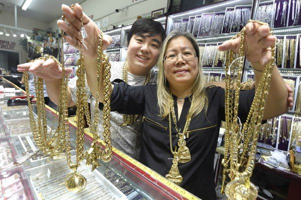 """""""This granny blings out rappers from the Wu-Tang Clan to Macklemore"""" - Chinatown granny Eva Sam is a real gem in the eyes of her rapper customers. For nearly three decades, the Macau native has been selling custom bling to hip-hop's biggest names, starting with Cappadonna of the Wu-Tang Clan in 1988. He was her first rapper."""