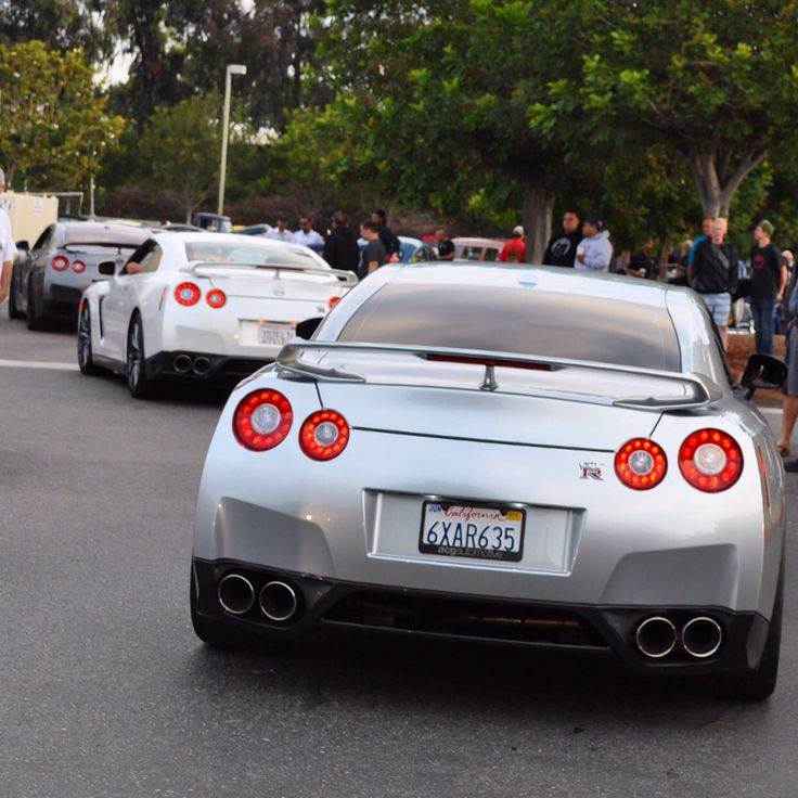 14437196939_2516a498e5_o+http://picturingimages.com/nissan-gtr-r35-hd-picture/