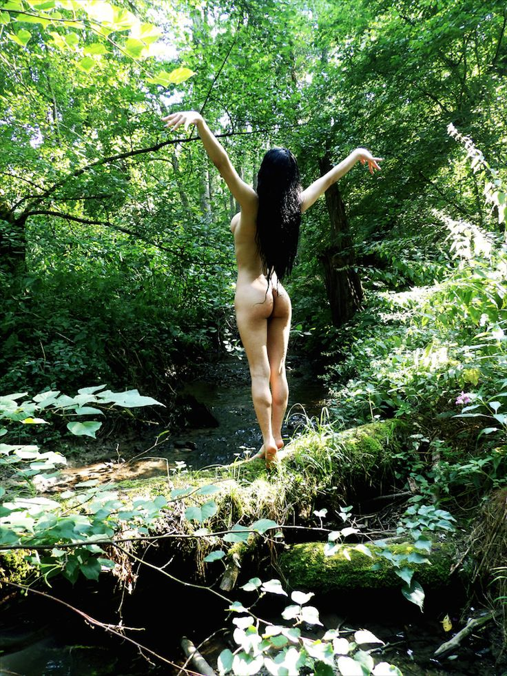 Hippies Nude In The Forest-4999