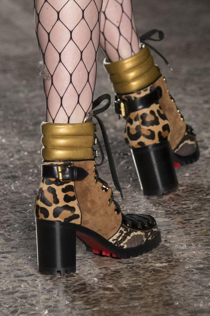 Daizy Shely at Milan Fashion Week Fall 2017 - Details Runway Photos