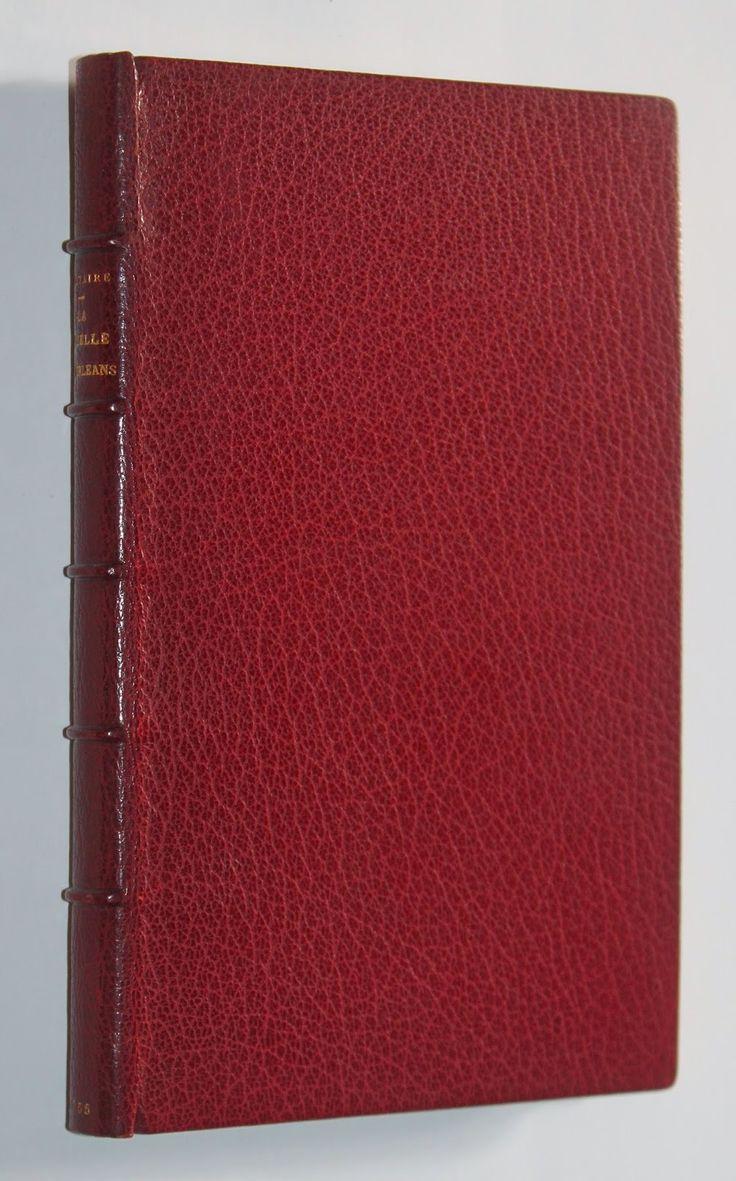 Librairie L'amour qui bouquine - Beaux livres anciens et modernes - Bibliophilie: La Pucelle de Voltaire (Louvain, 1755). Première é...