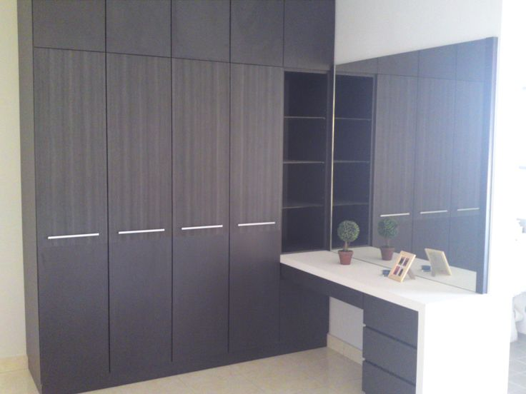Dressing Table With Built In Wardrobes Built In Wardrobes