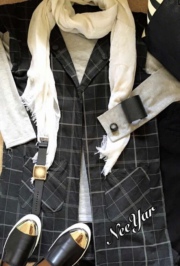 Monochrome.. Outer