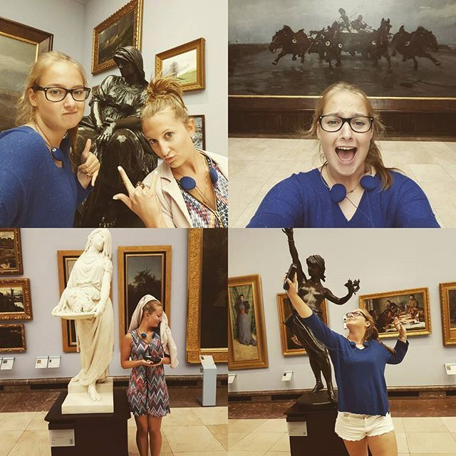 WEBSTA @ celina211091 - Intenables. 😂😁😀😃#museum #krakow #friends #fun…