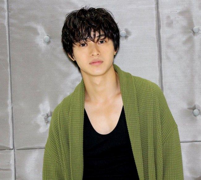 山崎賢人 - 写真 - 人物情報 - クランクイン!