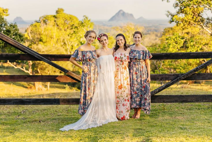 Bride + Bridesmaids | Nat + Dizz's Maleny Wedding | Brisbane Wedding Photographer | Evernew Studio