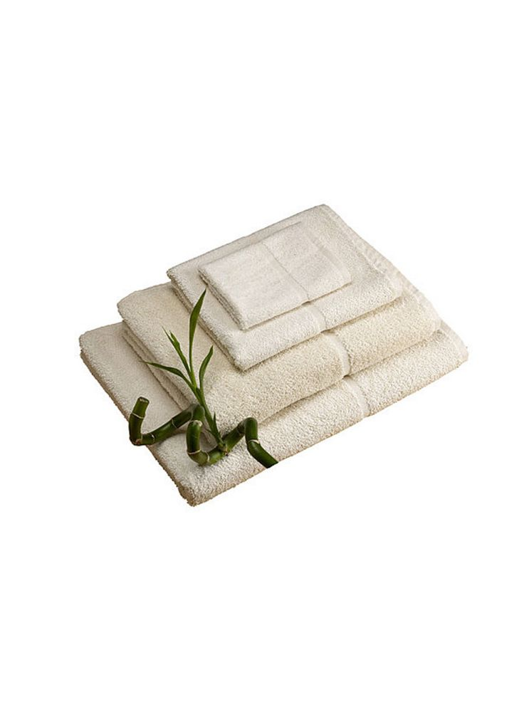 Natural Bamboo Bath Towel. Our 'Bamboo' towels have an ultra-soft feel, yet own a high abrasion-proof capacity, making them extremely durable and hard wearing. Bamboo towels will make a great gift for any person. #bamboo #bambootowel