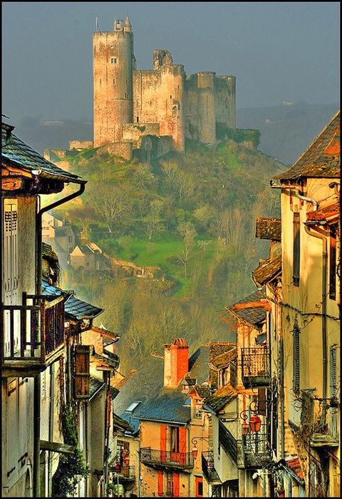 Najac is a picturesque village set along a ridge above a bend in the Aveyron River, southern France
