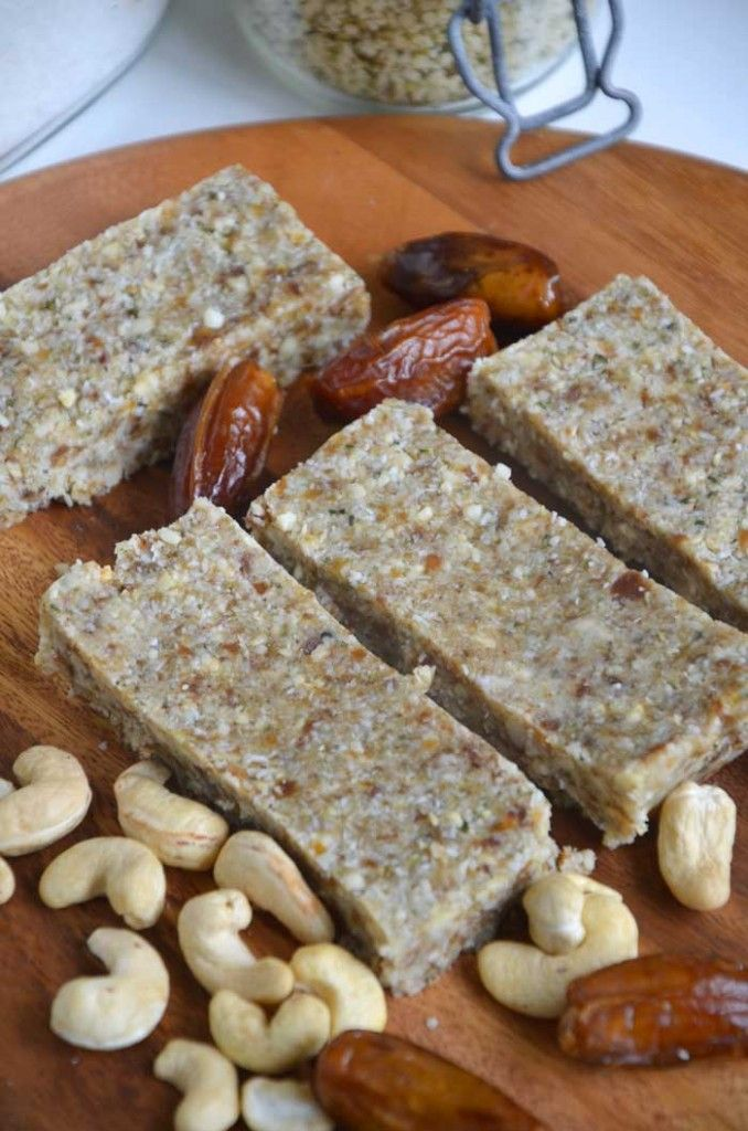 5 Ingredient Paleo Power Bars vegan and gluten free. Made with hemp seed and cashew.