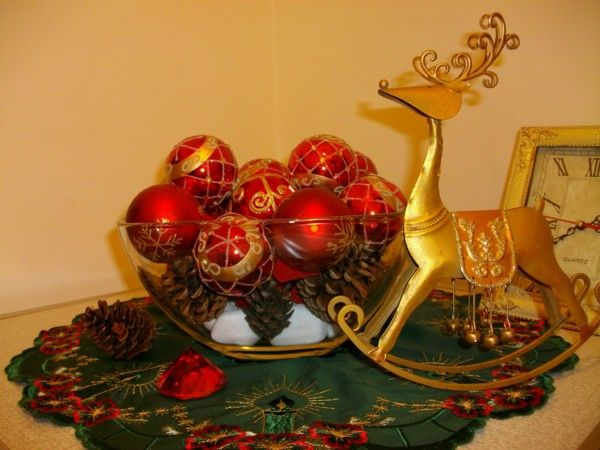 Simple Christmas decoration themselves make