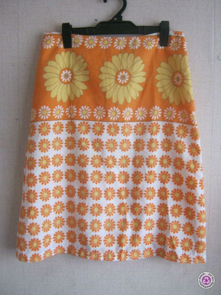Clotheswap - RETRO size s skirt made in BRITAIN