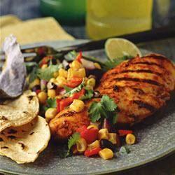 Gegrilde kipfilet met een relish van maïs en paprika @ allrecipes.nl