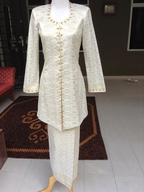 Songket off white & gold