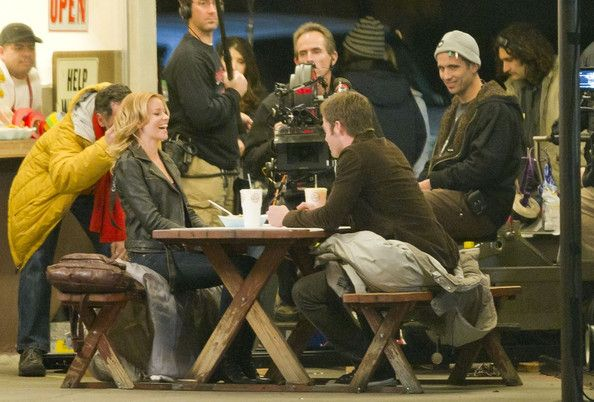 Chris Pine Photos: Chris Pine and Elizabeth Banks Film 'Welcome to the People'