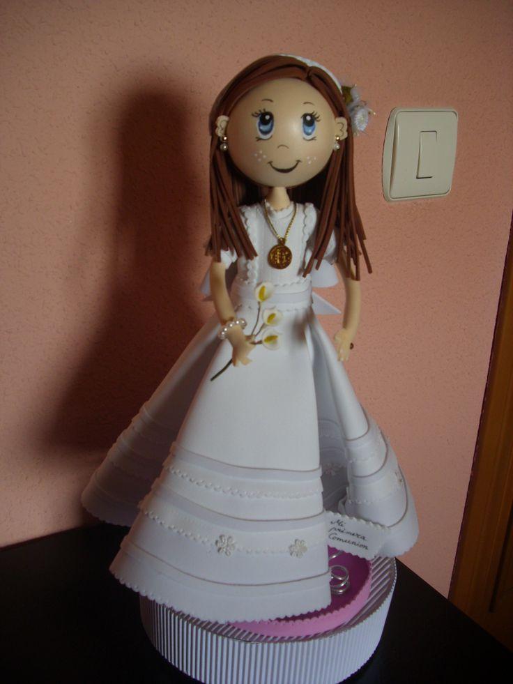 Fofucha de comunión totalmente en goma eva y con todos los detalles elenamartinlopez.blogspot,com (mis creaciones)