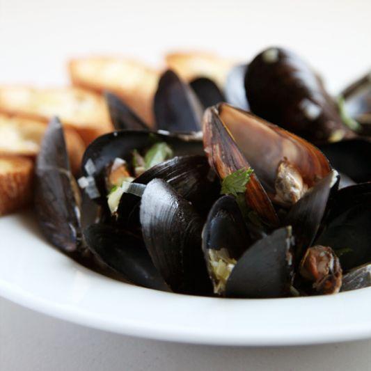 Julia Child's Moules à la Marinière Will Make You a Shellfish Lover ...