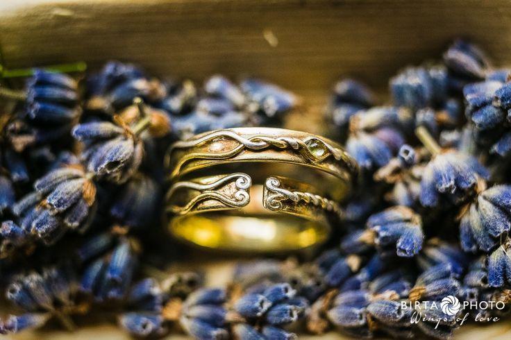 wings of love - wedding photo - www.birtaphoto.com #bestphotographer #viennaphotography #preweddingphotography #lovephotography #wien