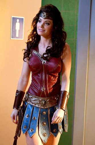 "Erica Durance as Lois Lane / Wonder Woman... did she just come out of the ""mens"" bathroom"