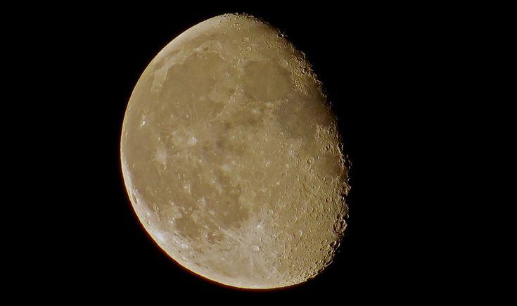 Lunar craters / Cratères lunaires / Crateres lunares - EXPLORE