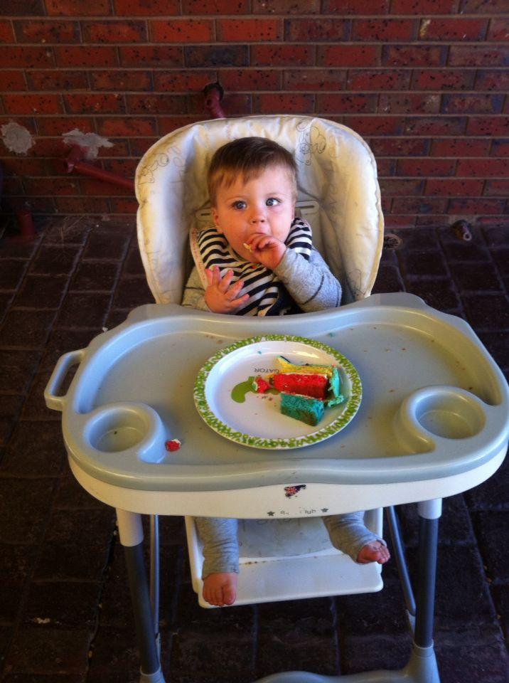 Munchin on cake!