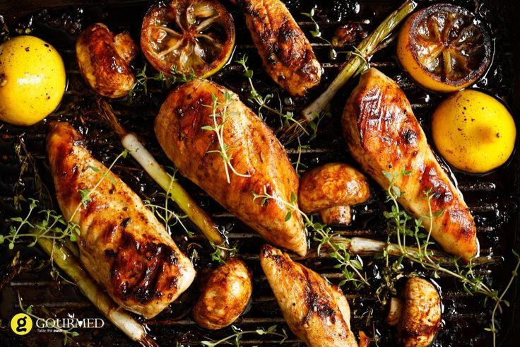 Ψητό στήθος κοτόπουλο στο μπάρμπεκιου με μανιτάρια - gourmed.gr