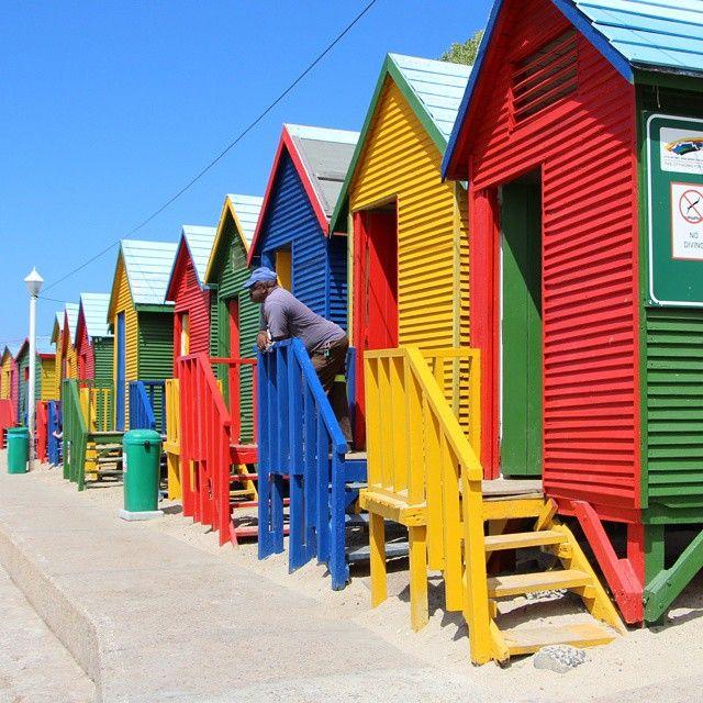Colorful beach huts in Muizenberg, captured by Instagram user @tuttifrutti_ruiu