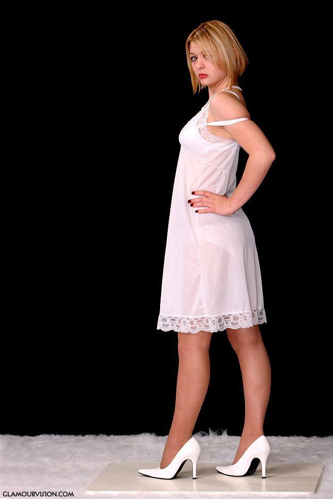 foto de 71 best DORISSA images on Pinterest Petticoats Glamour and Track