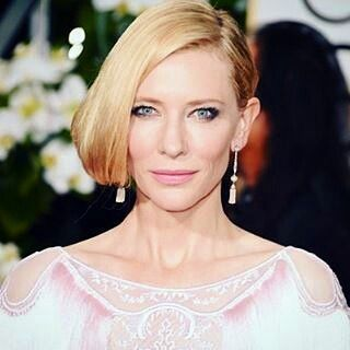 #CateBlanchett with #pearls #earrings by @tiffanyandco and #dress by @givenchyofficial @riccardotisci17 in @goldenglobes  __________  Cate Blanchett con #pendientes de #perlas de #tiffanys y #vestido de #givenchy #RiccardoTisci en los #GlobosDeOro __________  #DeJoyaEnJoya #FromJewelToJewel #RedCarpet #AlfombraRoja #celebrity #luxury #InstaJewels #InstaPearls #InstaGlam #actress #diva #icon #style #fashion #carol #jewels #joaillerie #gioielli #joyas