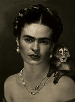 Awesome portrait of Frida and a tiny monkey...lol