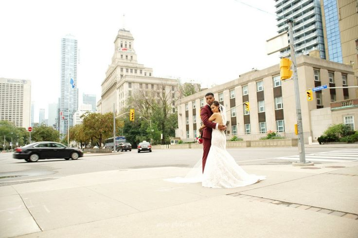 Toronto Street wedding photography. University Avenue Wedding photos