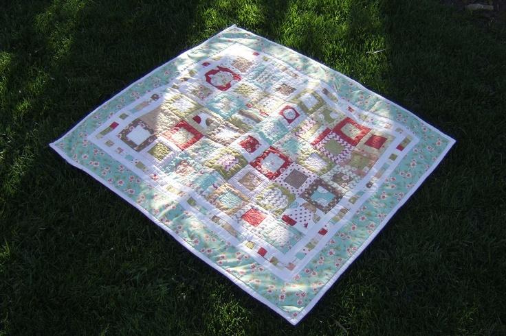 Quilt Patterns For Mini Charm Packs : Charm pack + mini charm pack. Quilting: Sew many mini Charm Quilts Pinterest