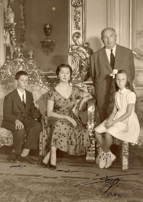 Princess Fatma Neslişah Sultan, Princess Imperial of the Ottoman Empire and Princess of Egypt, her husband Prince Muhammad Abdel Moneim and the children Prince Sultanzade Abbas Hilmi Abdulmunim Beyefendi &  Princess İkbal Hilmi Abdulmunim Hanımsultan