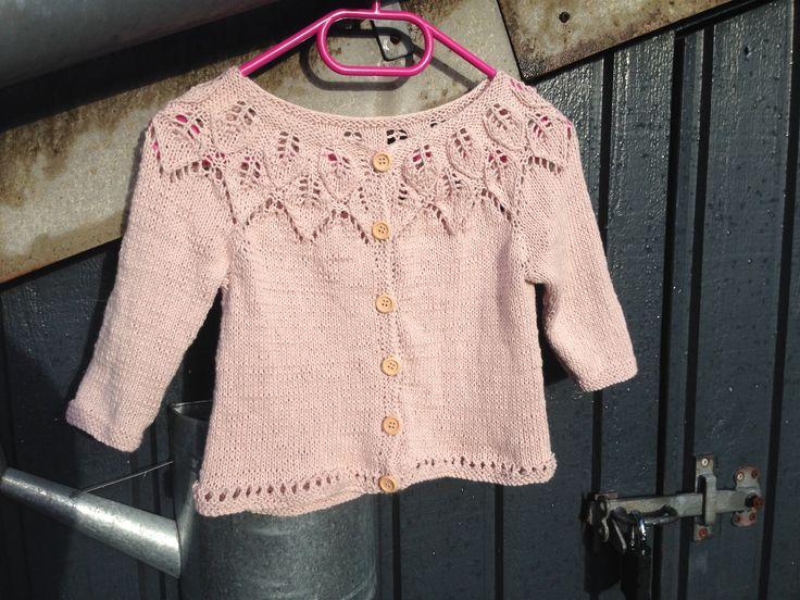 """Bella trøje fra """"babystrik på pinde 3 """""""
