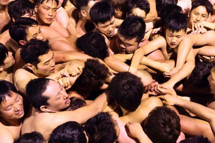 """82 curtidas, 2 comentários - Everyday Japan (@everydayjapan) no Instagram: """"Naked Festival (9/9). Participants, just wearing Fundoshi, or Japanese traditional underwear, fight…"""""""