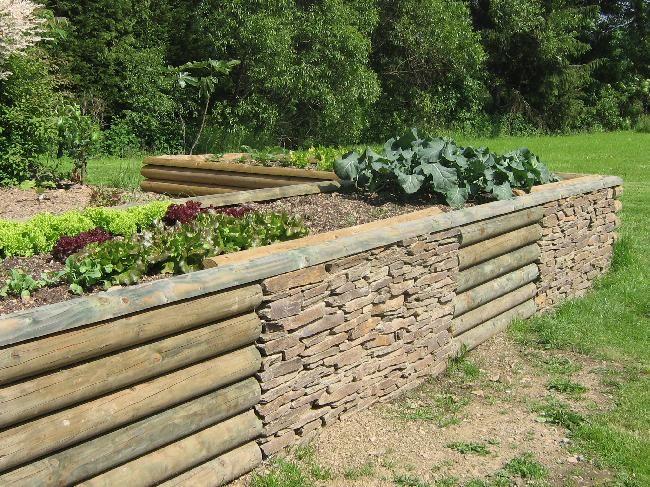 Bordures pour jardins sentiers et all es trucs et for Muret bois jardin
