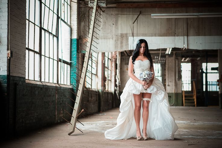 Photography By M Maler Photography | Styling and Lingerie By Beneath The Gown |Makeup By Jennie Fresa Makeup and Skincare Boutiquerie | Hair By Hair Chateau | Accessories By The White Dress by the Shore | Video by Jeremy White