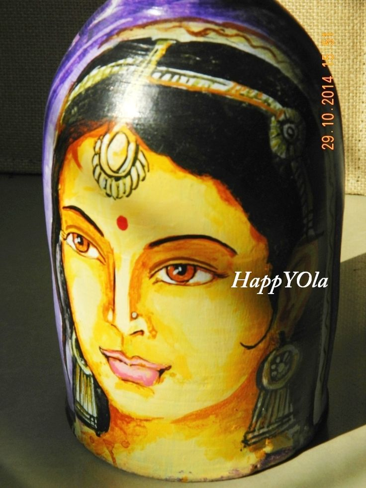 This depicts Indian hand painted terracotta artform. An ancient india art work which gives the world a glimpse of India's rich history of art and craft.