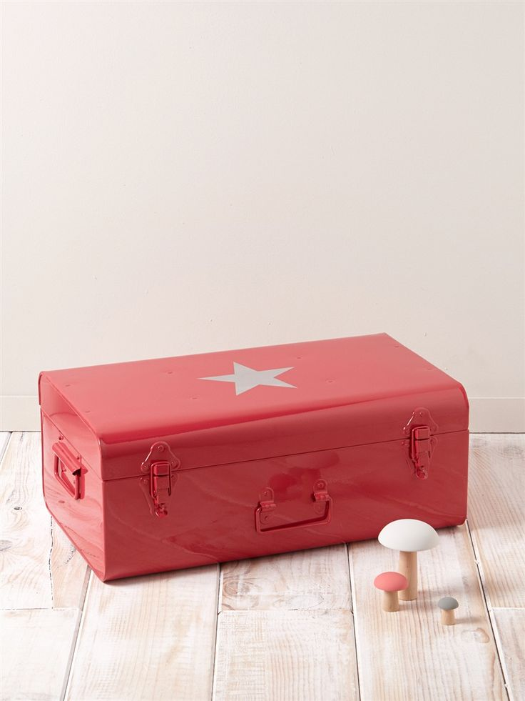 1000 images about objets d co chambre enfants on for Malle decoration maison
