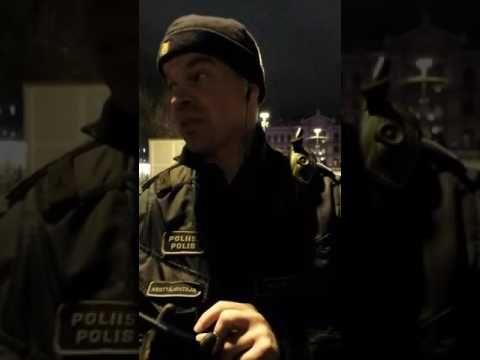 Poliisi rikollisesti kieltää mielenilmauksen Aleksis Kiven patsaalla 19....