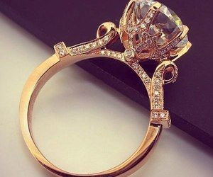 If this isn't a ring , I don't know what is. ♥♥♥