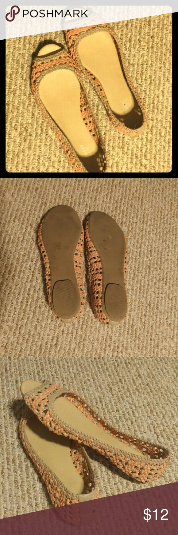 Old Navy Flats Cute light pink and tan Old Navy flats! ~ Only worn a few times, in great condition ~ Size 10 Old Navy Shoes Flats & Loafers