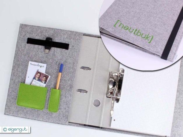 Praktischer Organizer, gefertigt aus reinem, 3mm starkem Wollfilz. Die Schreibmappe bietet Dir Platz für einen Ringordner (A4), Stifte, Visitenkarten, USB-Stick und vieles mehr...  • Organizer...