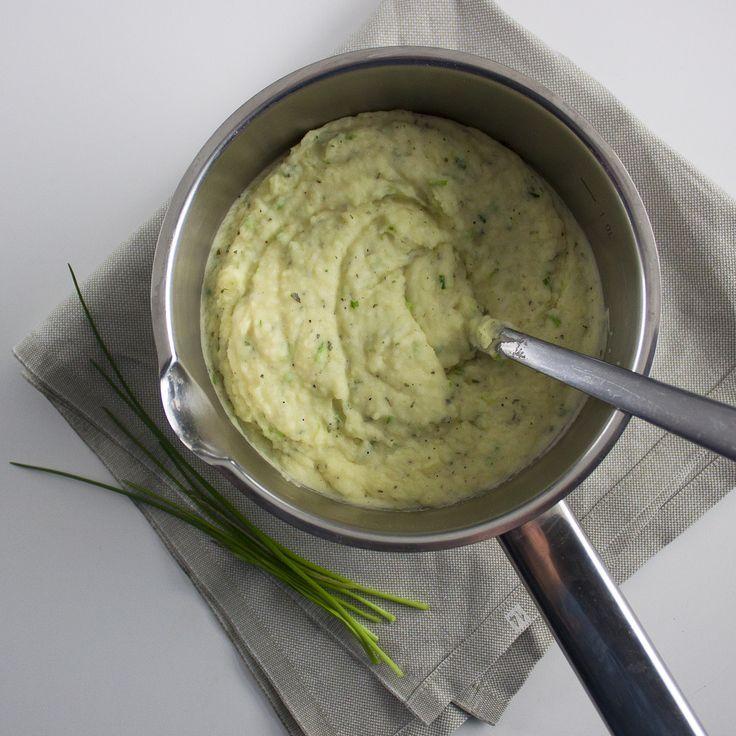 Aardappelmousseline is altijd zo'n gerecht wat je in het restaurant krijgt, maar eigenlijk nooit thuis maakt. Terwijl het helemaal niet zo moeilijk is! Ik vind het heerlijk, vooral als hij op smaak...