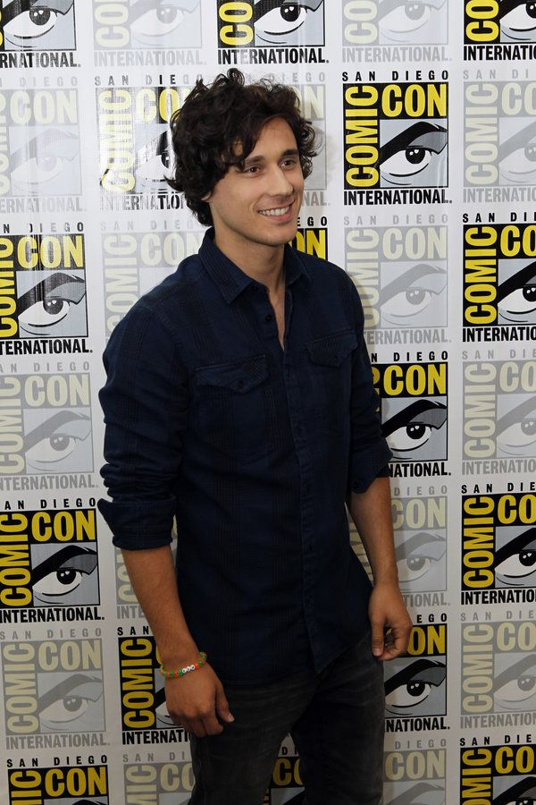 Once Upon a Time in Wonderland Comic-Con 2013 - Peter Gadiot