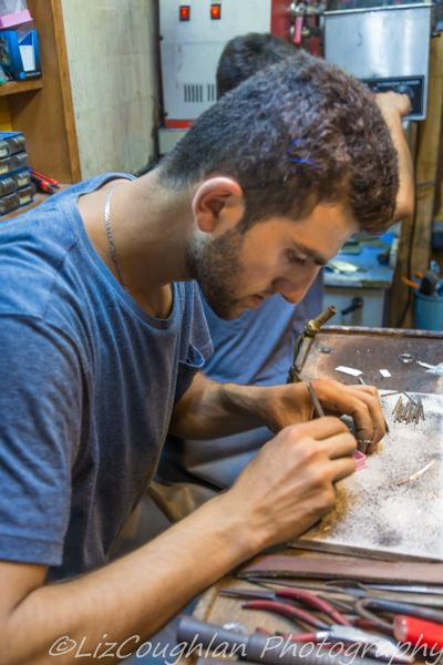 Jewellery maker in the Zincirli Han, Grand bazaar, Istanbul, Turkey