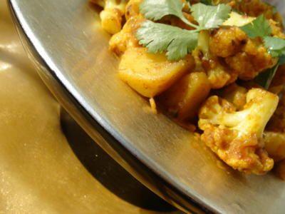 Indiai krumpli és karfiol curry (Aloo Gobi)   Chili és Vanília