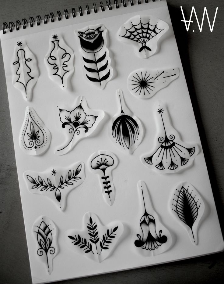 The 25 best small traditional tattoo ideas on pinterest for Small tattoo flash