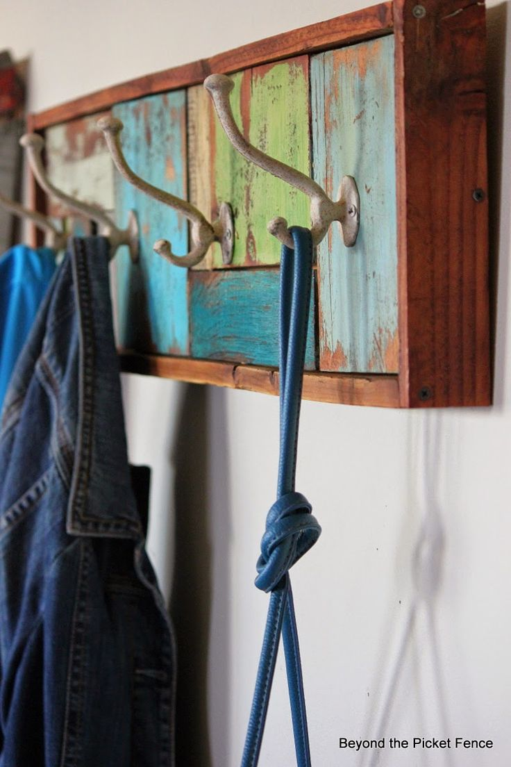 A Patchwork Coat Hook and Wax Tutorial http://bec4-beyondthepicketfence.blogspot.com/2014/05/a-patchwork-coat-hook-and-wax-s.html